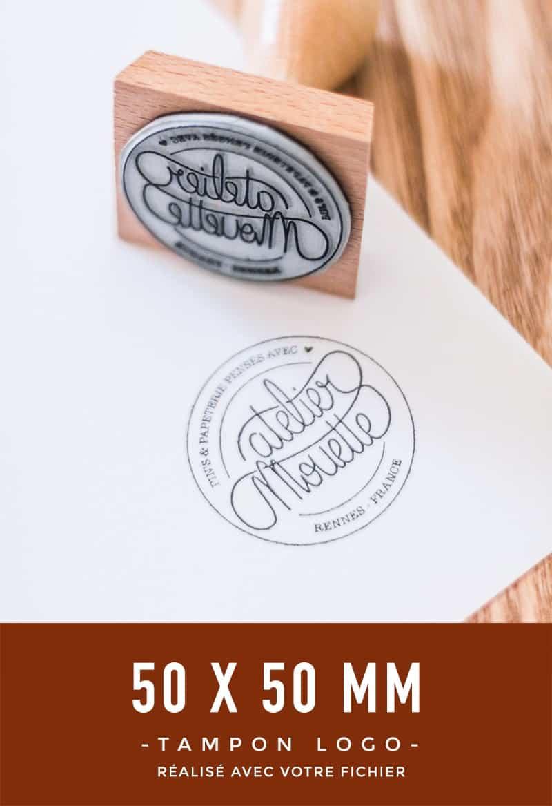 tampon-bois-logo-sur-mesure-bloomini-studio
