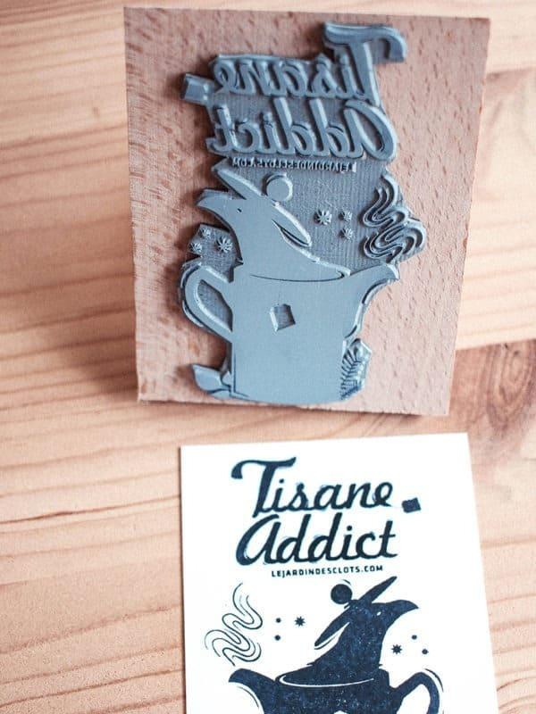 tampon-tisane-addict-logo-personnalise